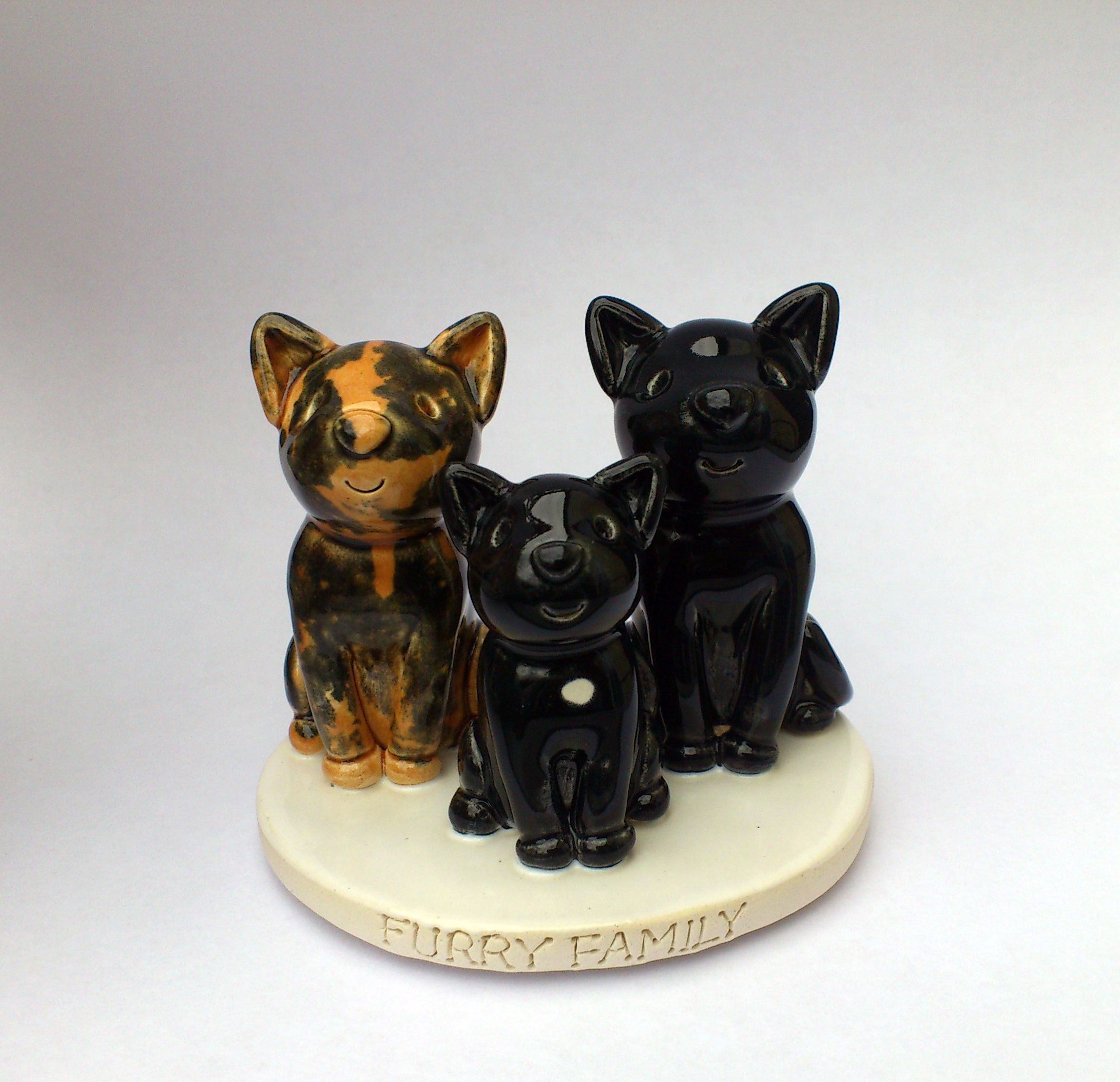 Tanja Cake Topper Artist : Pet Cake Toppers. Personalised Ceramic Pet Portraits