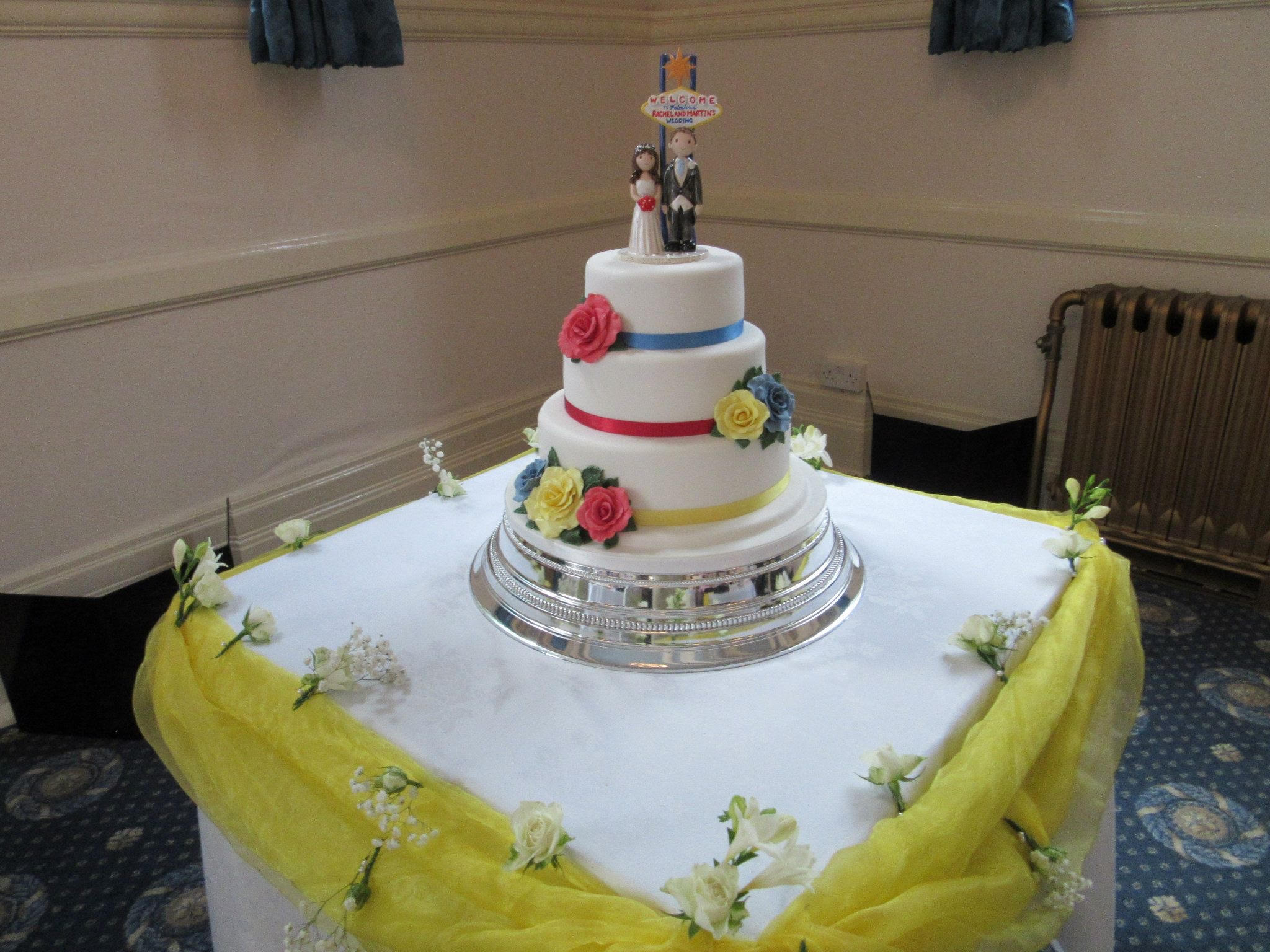 vegas wedding cake toppers uk examples of wedding cake toppers made for our customers 21576